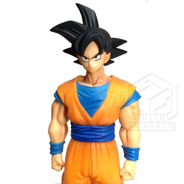 Dragon Ball statuetta di Goku in piedi pronto allo scontro 5 tuttogiappone