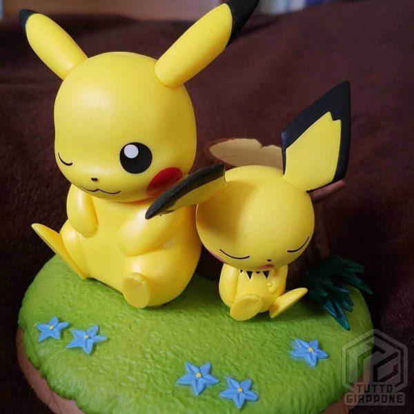 Action Figure Pokemon Pikachu e Pichu relax 02 TuttoGiappone