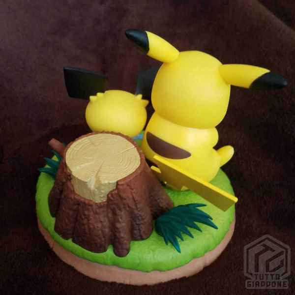 Action Figure Pokemon Pikachu e Pichu relax 03 TuttoGiappone